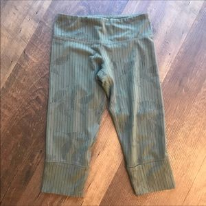 Lululemon Wunder Under Crop in Olive Leaf Pattern